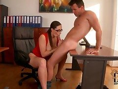 Paige Turnah is a hot secretary who wants
